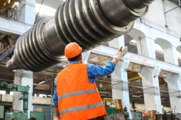4 Advantages of Renting Industrial Equipment Instead of Buying